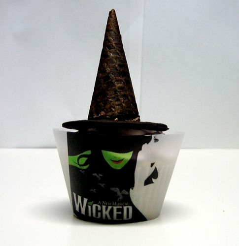 I want these wicked cupcake papers....anyone know where to find them?