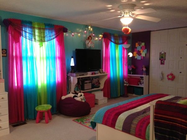 Peace bedroom ideas for girls peace ful dreams girls 39 room designs decorating ideas hgtv - Medium size room decoration for girls ...