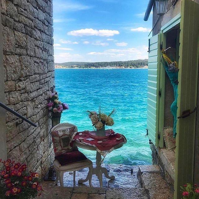 #traveler #travel #travelblogger #blogger #igtravel #instagram #instatravel #hungarianblogger #hungary #budapest #vlogger #summer #rovinj #croatia