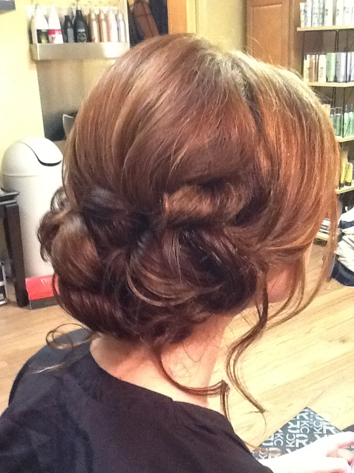 Low bun with out the loose ends