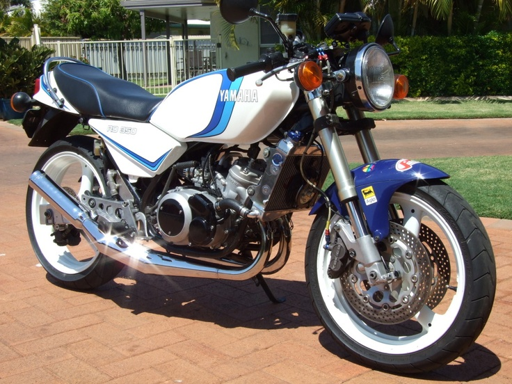 2 STROKE BIKER BLOG: RD350LC - This looks so awesome. I want it.