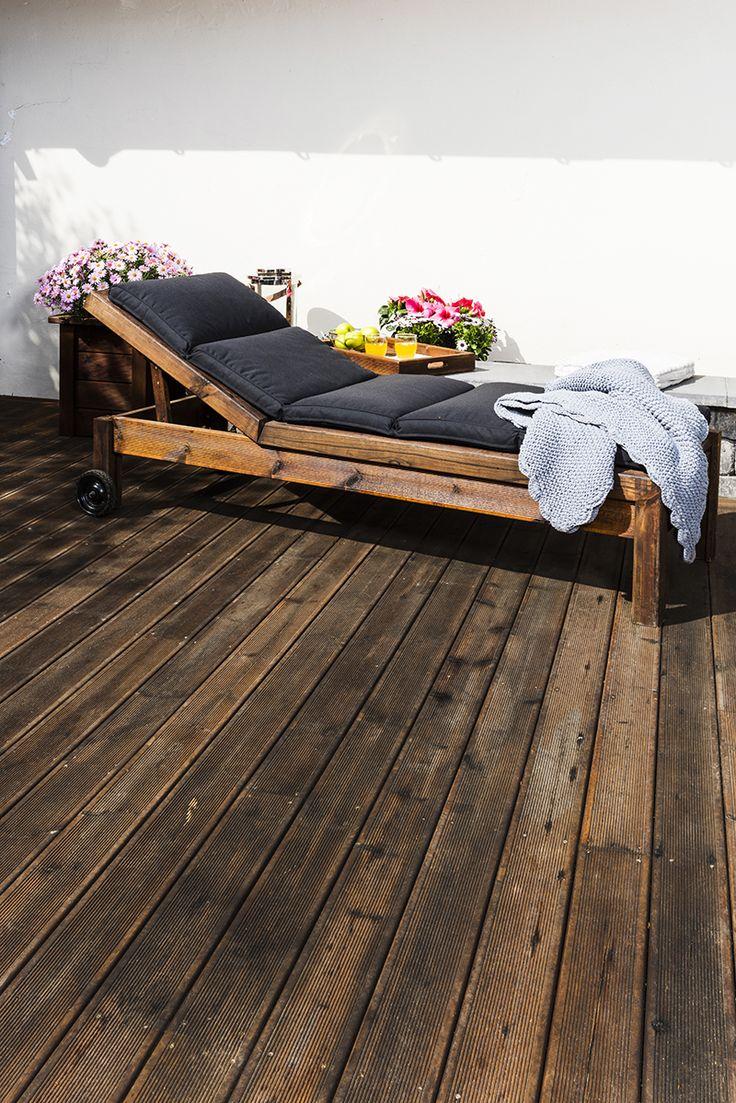 Solseng i MøreRoyal® - lages enkelt av terrassebord og MULTIstolper.