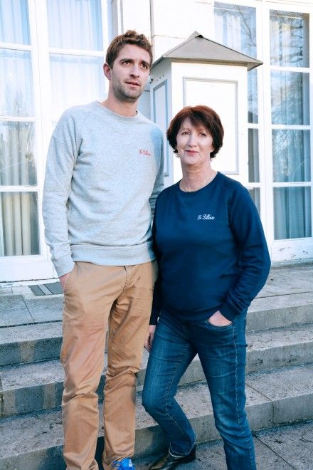 Collection Capsule N°5 Les Comptoirs d'Orta /  www.lescomptoirsdorta.com / Sweat La Lilloise & Le Lillois #lescomptoirsdorta #sweat #grey #gris #navy #marine #Lille #Lilloise #Lillois #France #French #old #woman #mother #boy #son #fashion #tendance #family #love