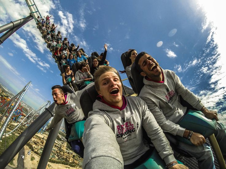 However you express it, looks like good times at the amusement park in Tarragona, Spain. Photo by Kyrylo Lyutov.