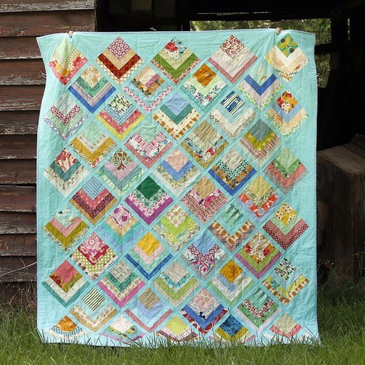 Log cabin quilt pattern by Rachel of Stitched in Color
