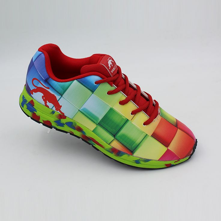 Get the comfort and style you deserve with these top-notch Vandeu running shoes. Team this multi-coloured pair with compression shorts and a fitted tee.