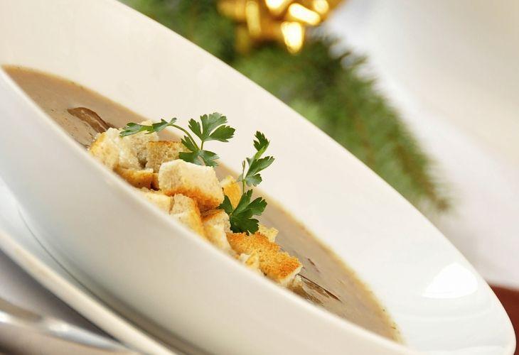 Zupa z borowików z grzankami - Przepis - Fooder.pl - Twoje wszystkie ulubione przepisy w jednym miejscu!