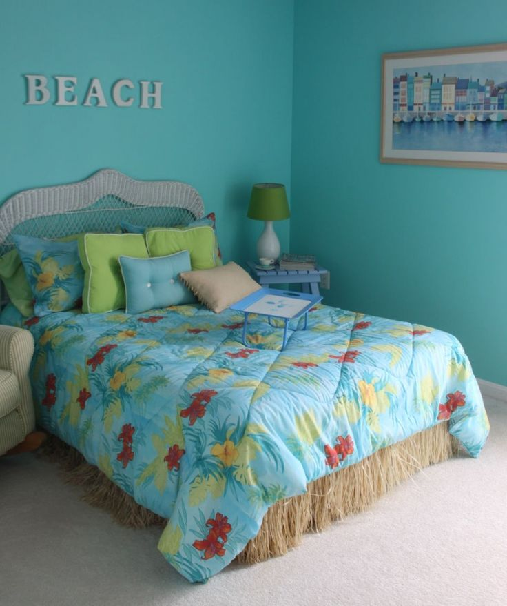 Beach bedroom lovely teenage girl beach theme bedroom for Bedroom quilt ideas