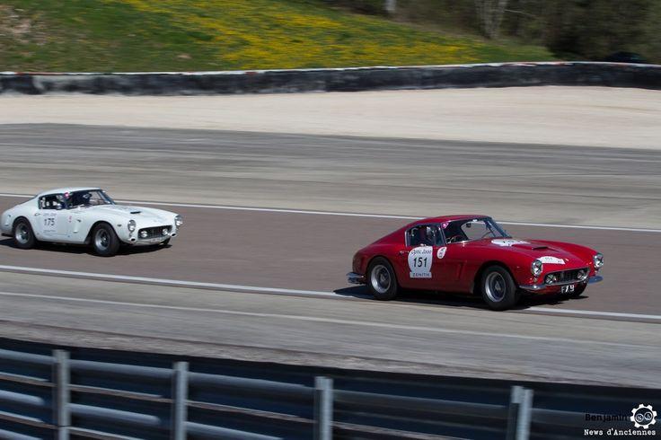 Deux #Ferrari #250 #GT #Berlinetta sur le #TourAuto2016 à #Dijon_Prenois. Reportage : http://newsdanciennes.com/2016/04/20/tour-auto-2016de-passage-a-dijon-prenois-on-y-etait/ #ClassicCar #VoituresAnciennes #VintageCar #MoteuràSouvenirs