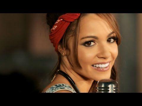 Descarga MAL DE AMOR: https://itunes.apple.com/us/album/mal-amor-feat.-servando-florentino/id925819808 Video musical de la canción Mal de Amor de Sharlene ju...