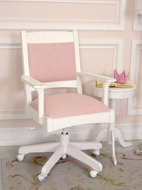 gorgeous pink swivel office chair