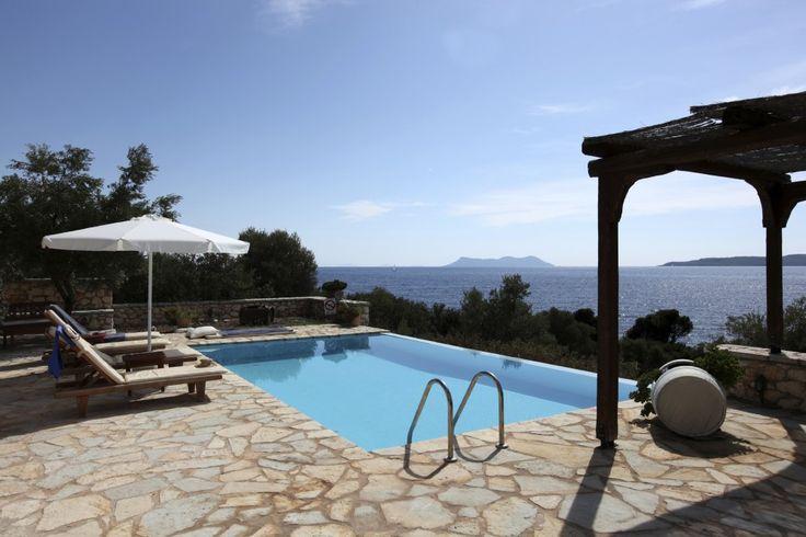 Villa with pool on the Italian riviera