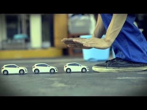SUBARU / The walk of minicar.