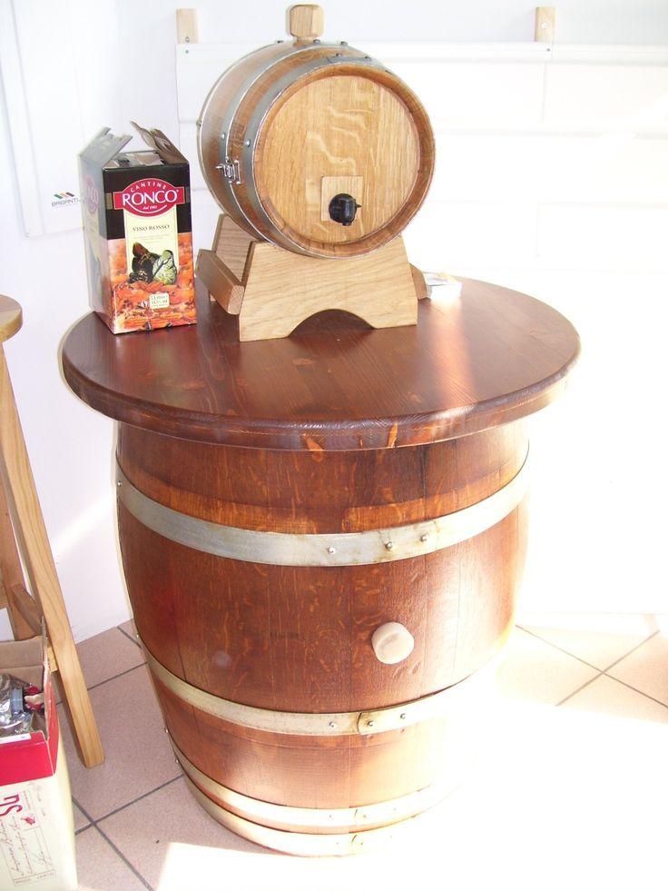1021 - Tavolo per #pub con #botte dispencer per cartoni di vino preconfezionato da servire a direttamente ai clienti
