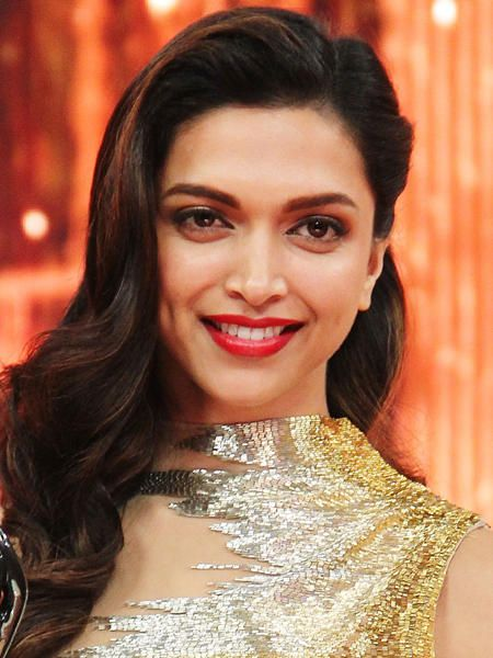 Hottest pouts in Bollywood - Deepika Padukone