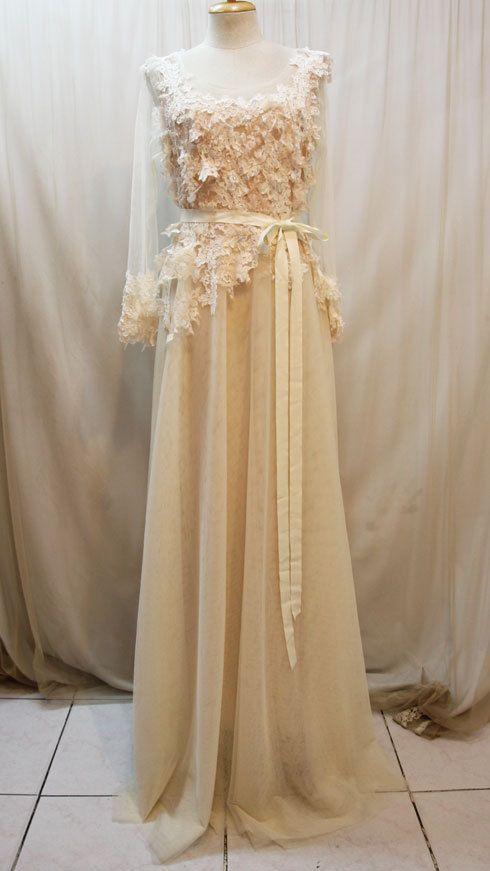 Custom Made Elegant Lace with Tulle Skirt Wedding Dress