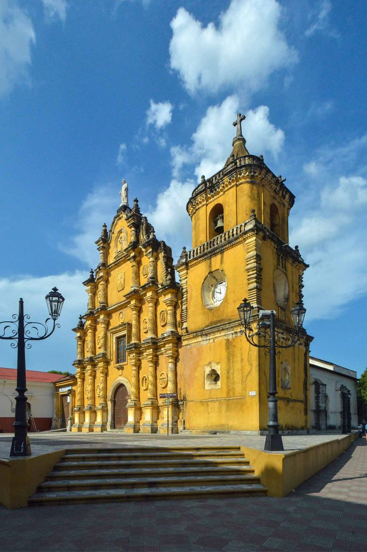 Iglesia de La Recolección in León, Nicaragua | heneedsfood.com