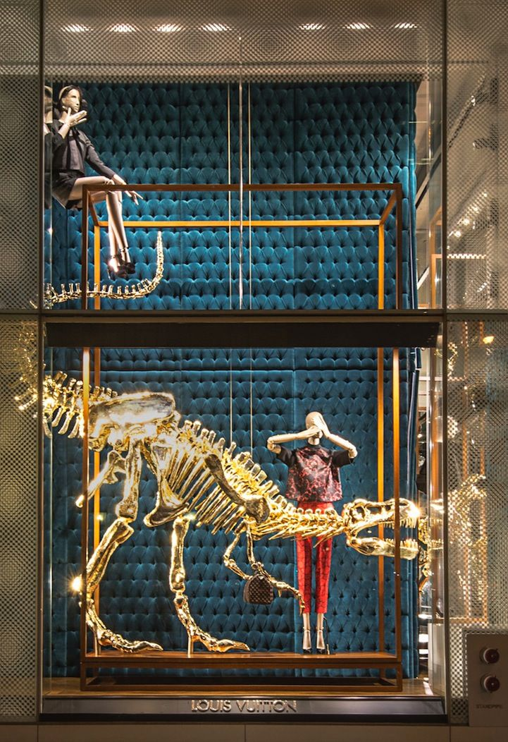 Trendy LOUIS VUITTON spectacle of gold dinosaur bones paired with the iconic new Pre-Fall/Winter 2013-2014 collection.