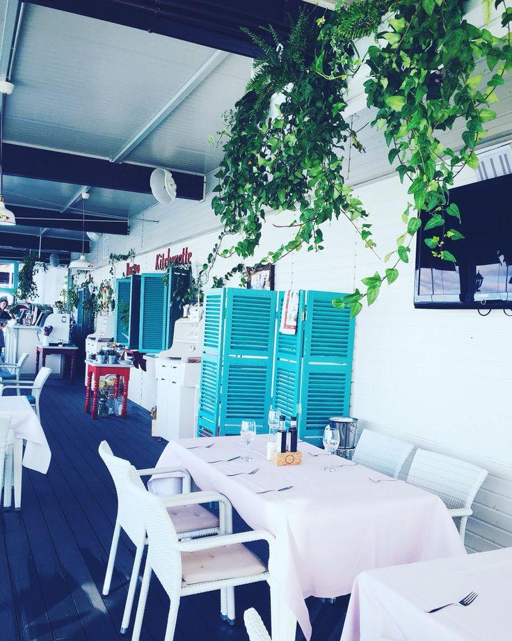 Cozy p l a c e #openallseason #love #green #newdishes #instalove #autumn #kitchinette #saturday #rainyday #tea #magicplace #goodfood #amazingcrew #bacaroport