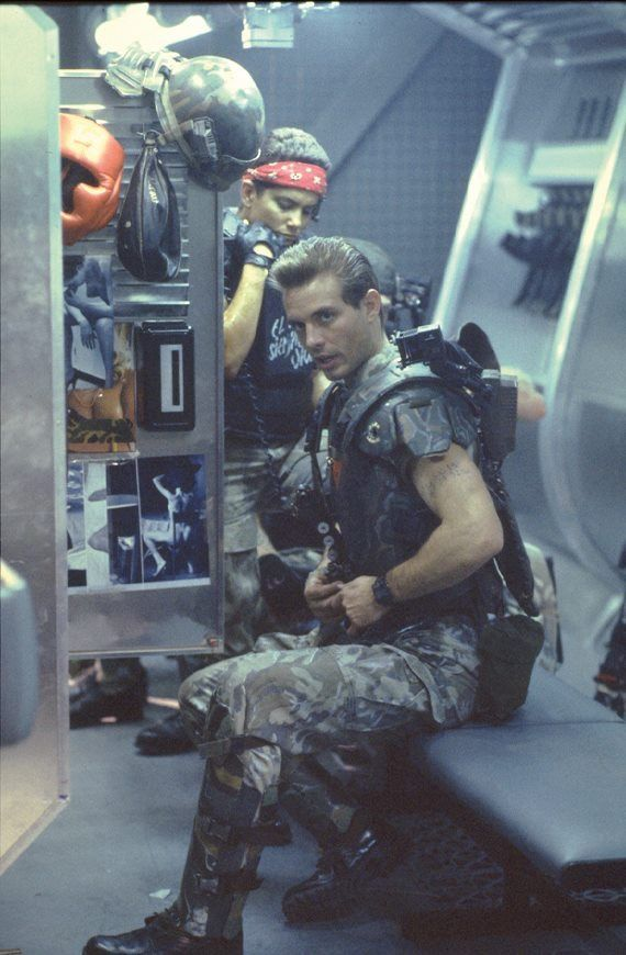 Aliens: Colonial Marine Vasquez and Hicks