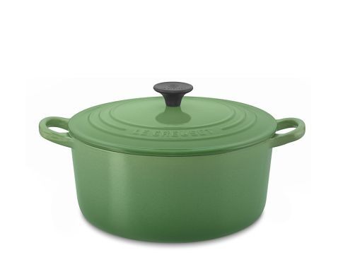 Le Creuset Classic Round Dutch Oven. yes, please.