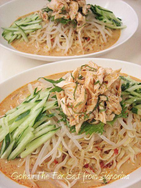 市販の中華麺と練りゴマ(芝麻醤)があれば、具はアレンジ自由に☆濃厚スープがたっぷりで、ひと口目に、あ!美味し~!です☆