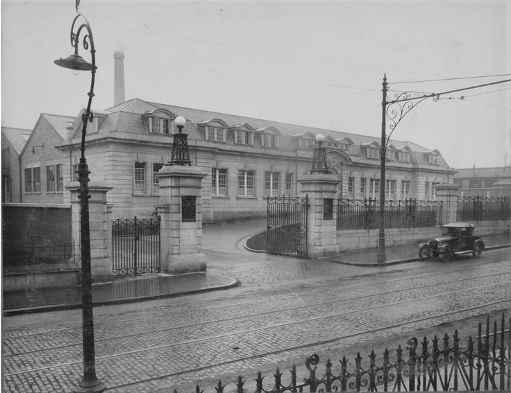 Messrs John Player & Sons factory, 56-75 Botanic Road, constructed by G. & T. Crampton in 1923.