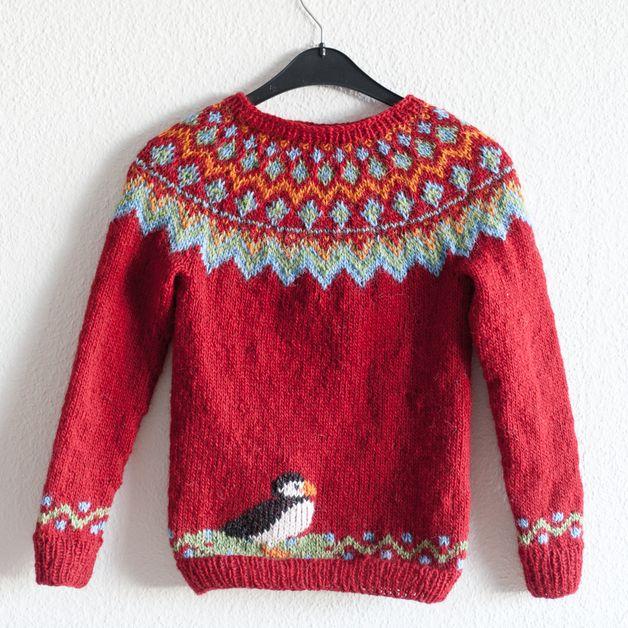 Hübscher traditioneller Islandpullover aus Islandwolle. Handgestrickt und individuell.  Aus dünner Wolle (lettlopi), für drinnen wie auch draußen geeignet.