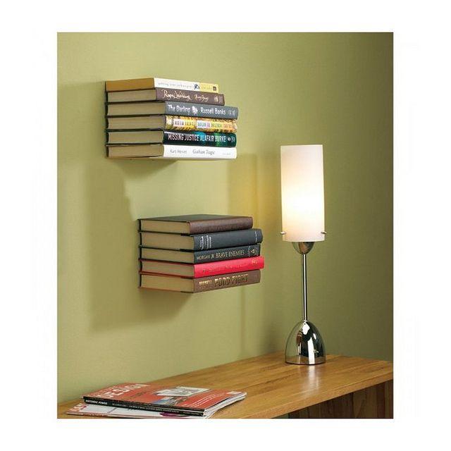 ces tag res invisibles font illusion sur un mur id ales pour ranger vos livres pr f r s ce. Black Bedroom Furniture Sets. Home Design Ideas