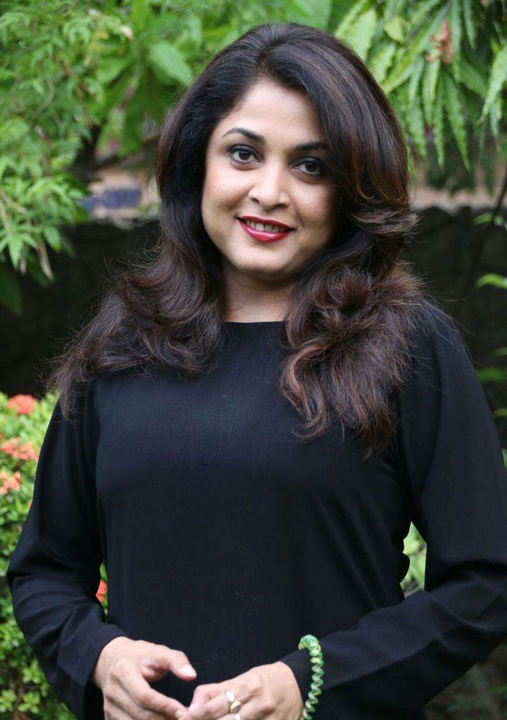 Ramya Krishnan Biography like Real Name, Movies, Sign, Family, Biodata, Height, Weight, Husband, Son, Age, Personal Photos, Image, DOB, Family