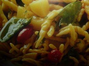un mondo di ricette: cucina colorata pasta con taccole e pomodori