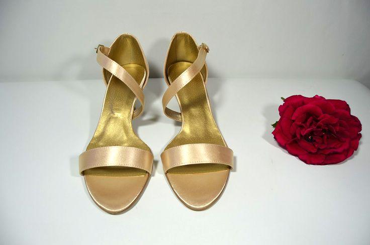 Sandálky - vanilkovozlatá satén, Veľ 40, Cena vo výpredaji 34,- Eur hotové modely - možnosť okamžitej zásielky.