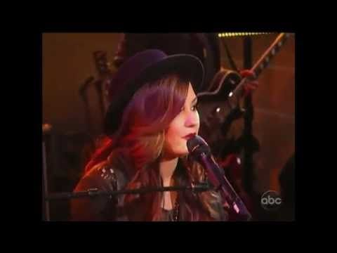 Skyscraper-Demi Lovato (Live Performance) So incredible. She is so talented and such a strong role model for young girls everywhere.