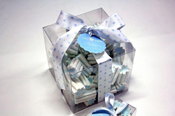 #Scatola trasparente in plastica con nastro ripiena di #marshmallow.