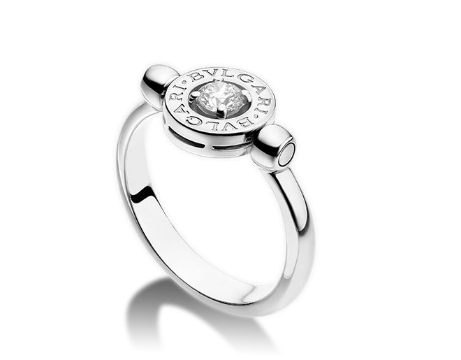 flip ring in 18 kt white gold with 025 ct diamond