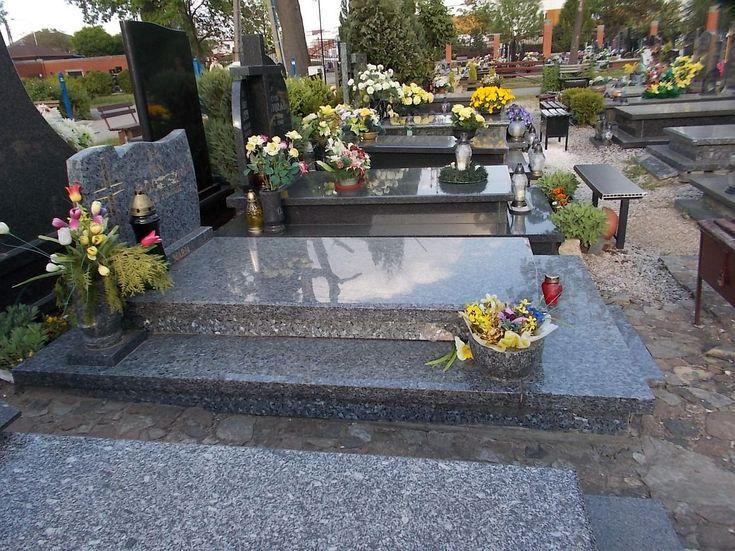 Sprzątanie grobów Wrocław, tel 504-746-203. Opieka nad grobem na cmentarzach we Wrocławiu. Firma sprzątająca i pielęgnująca groby. Mycie, czyszczenie, pielęgnacja. cennik do uzgodnienia.