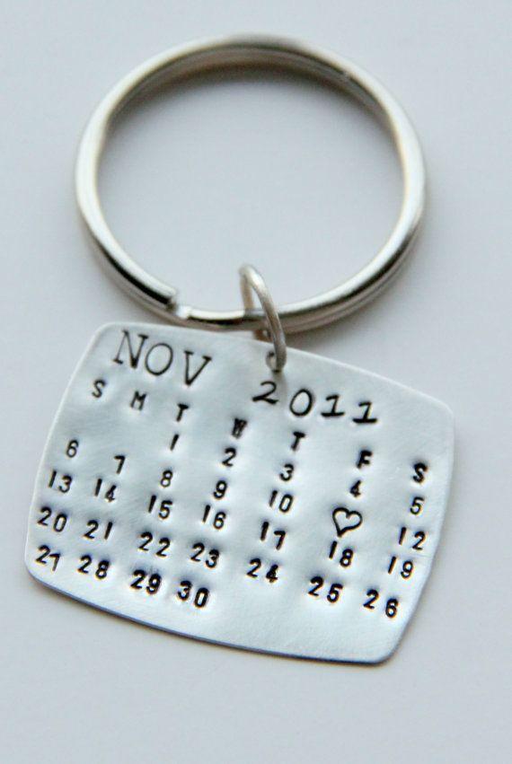 Valentines calendrier Keychain Silver, calendrier porte-clés, cadeau de Saint Valentin pour lui, les faveurs de mariage, mettre la Date, les anniversaires, les hommes
