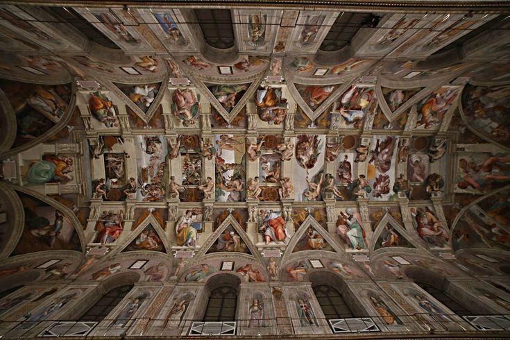 Nuova illuminazione per la Cappella  Sistina .  Da  oggi settemila led illumineranno il Giudizio Universale di  Michelangelo  Buonarroti e le altre opere dei grandi artisti italiani,  tra cui  quelle di Botticelli, del Perugino, del Pinturicchio e del   Ghirlandaio, che arricchiscono la Cappella. Si