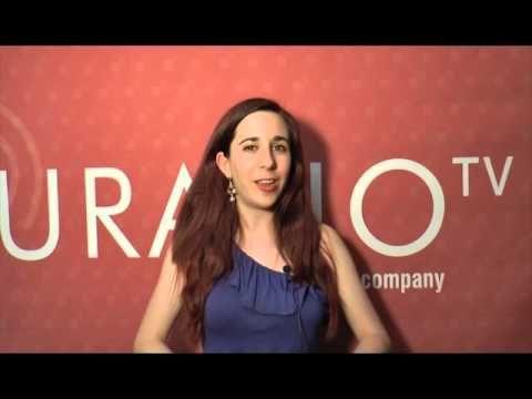 Laia Soler, autora de Puck, explica su Sant Jordi 2016 - YouTube
