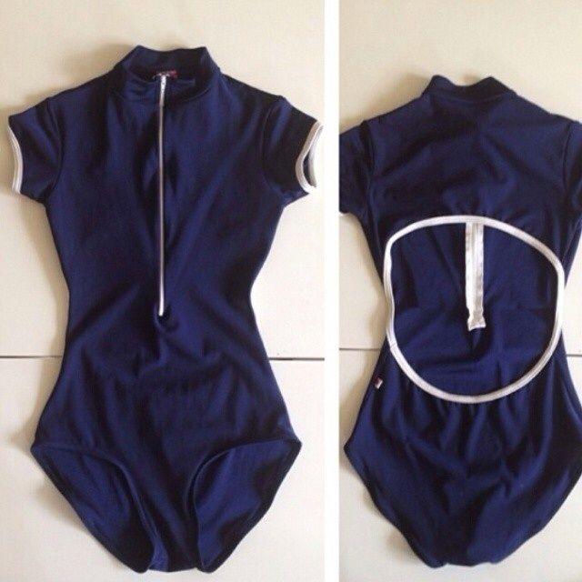 Charlotte with cap sleeves in N-Dark blue and N-White (N-White zip) [Bust lining] [€73 // £57.46]