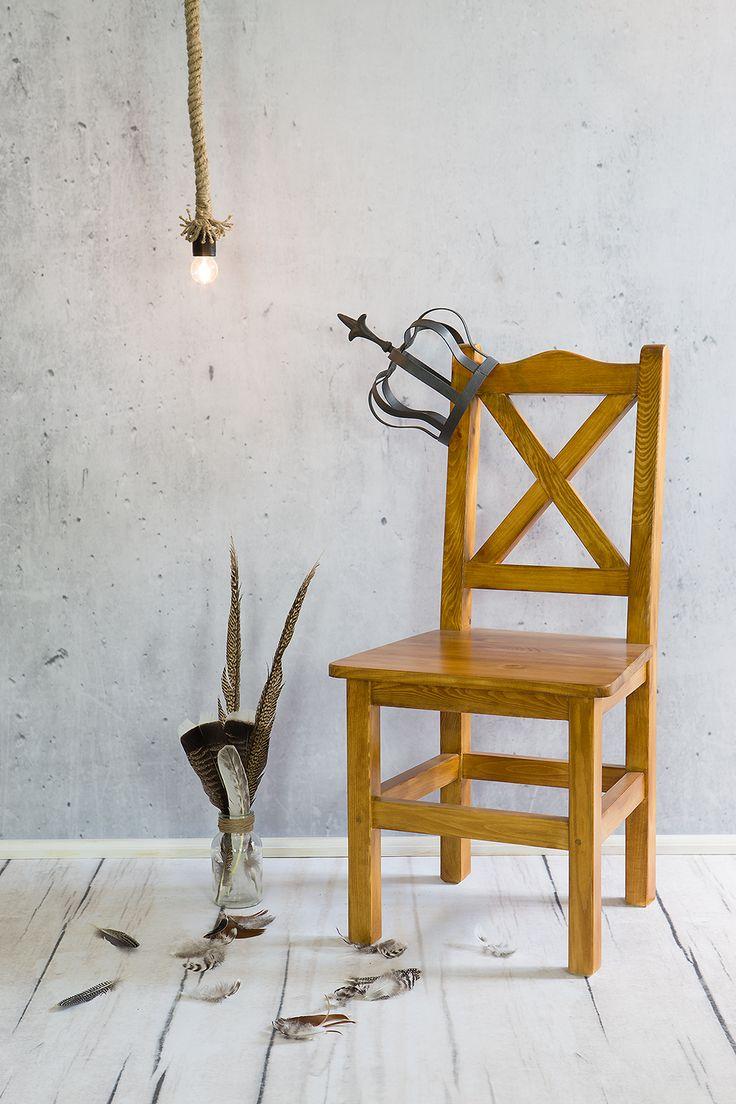 przepiękne woskowane krzesła królewskie