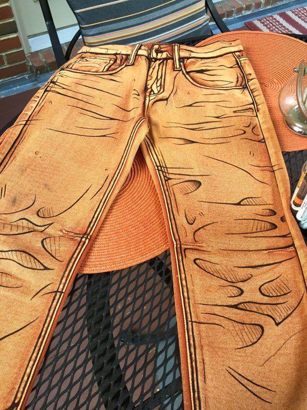 Bu Gölgeli Pantolonlar Çok Havalı!  Bu zamana kadar görüp görebileceğiniz ve ilk görüşte inanamayacağınız o harika KOT Pantolonlar!..  Labinnak & Mangoloo (L & M Cosplays) özel giysiler de dahil olmak üzere Cosplay kostümlerinde uzmanlaşmış olan 2 kişilik ekibiyle bir çok başarılı işe imzasını attı. Yeni çıkarttıkları bu harika kot pantolon tasarımı şimdiden sosyal medya da büyük yankı uyandırdı.  Sizleri o harika tasarımlar ile baş başa bırakıyoruz.