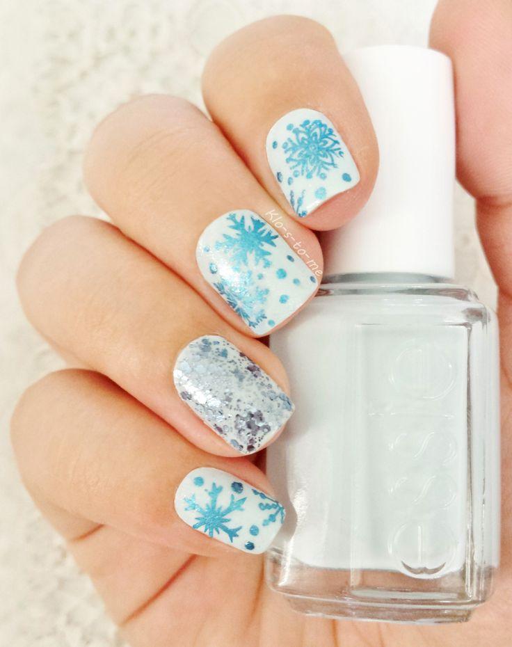 Let it snow ! Essie - Find me an oasis Essie - Stroke of brillance Star gazer - Chrome blue Jade - Liquid Diamond