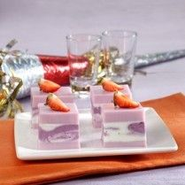 PUDING MARMER ANGGUR BLUEBERRY http://www.sajiansedap.com/mobile/detail/14811/puding-marmer-anggur-blueberry