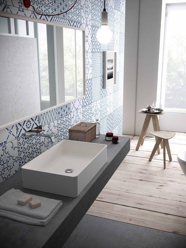Baño - revestimiento - azulejos - lava manos - azul - blanco - Nuevos revestimientos para baños actuales