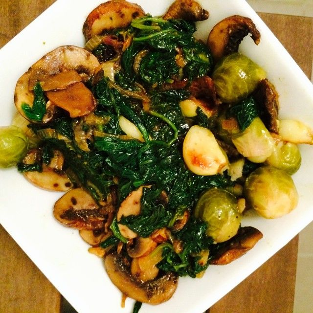 Mancare de spanac cu ciuperci | Gastropedia - retete culinare minunate.Retete traditionale, retete internationale, deserturi si recomandari de meniuri