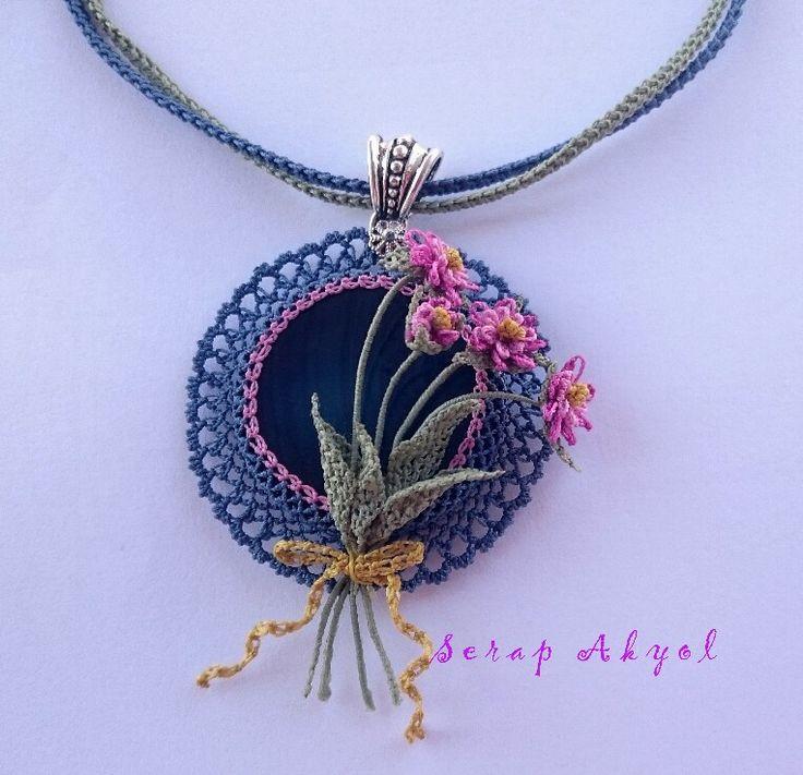 #iğneoyası #kolye#takı#taşlıkolye#needlelace #necklace #elişi #