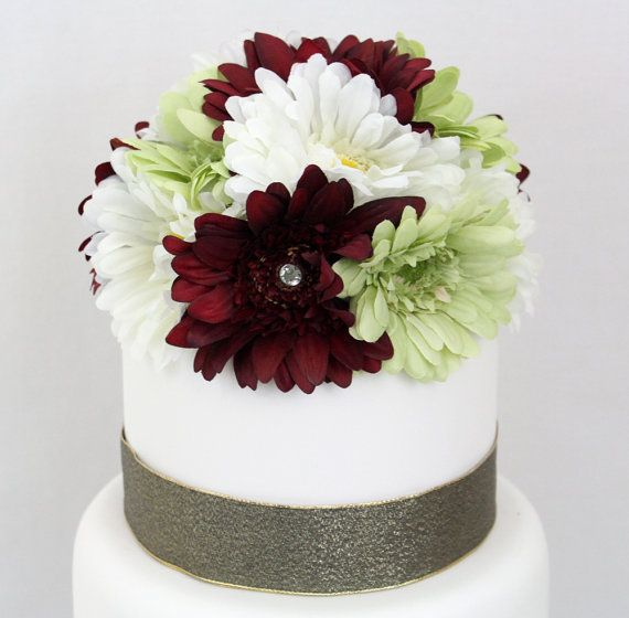 wedding cake pictures with gerbera daisies best 25 wedding cakes ideas on 23449