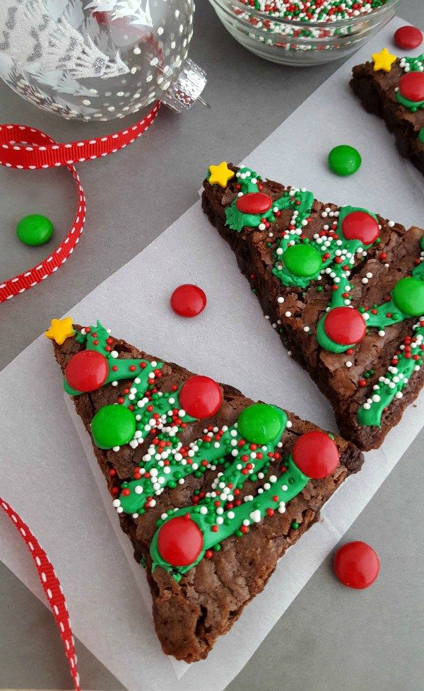 Christmas Tree Brownies - festive brownies for Christmas table!