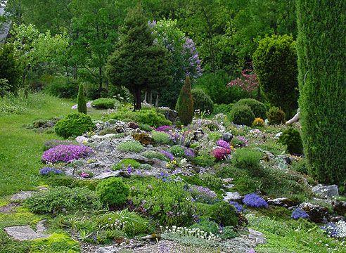 Альпийский склон в саду Зденека Ржегачека